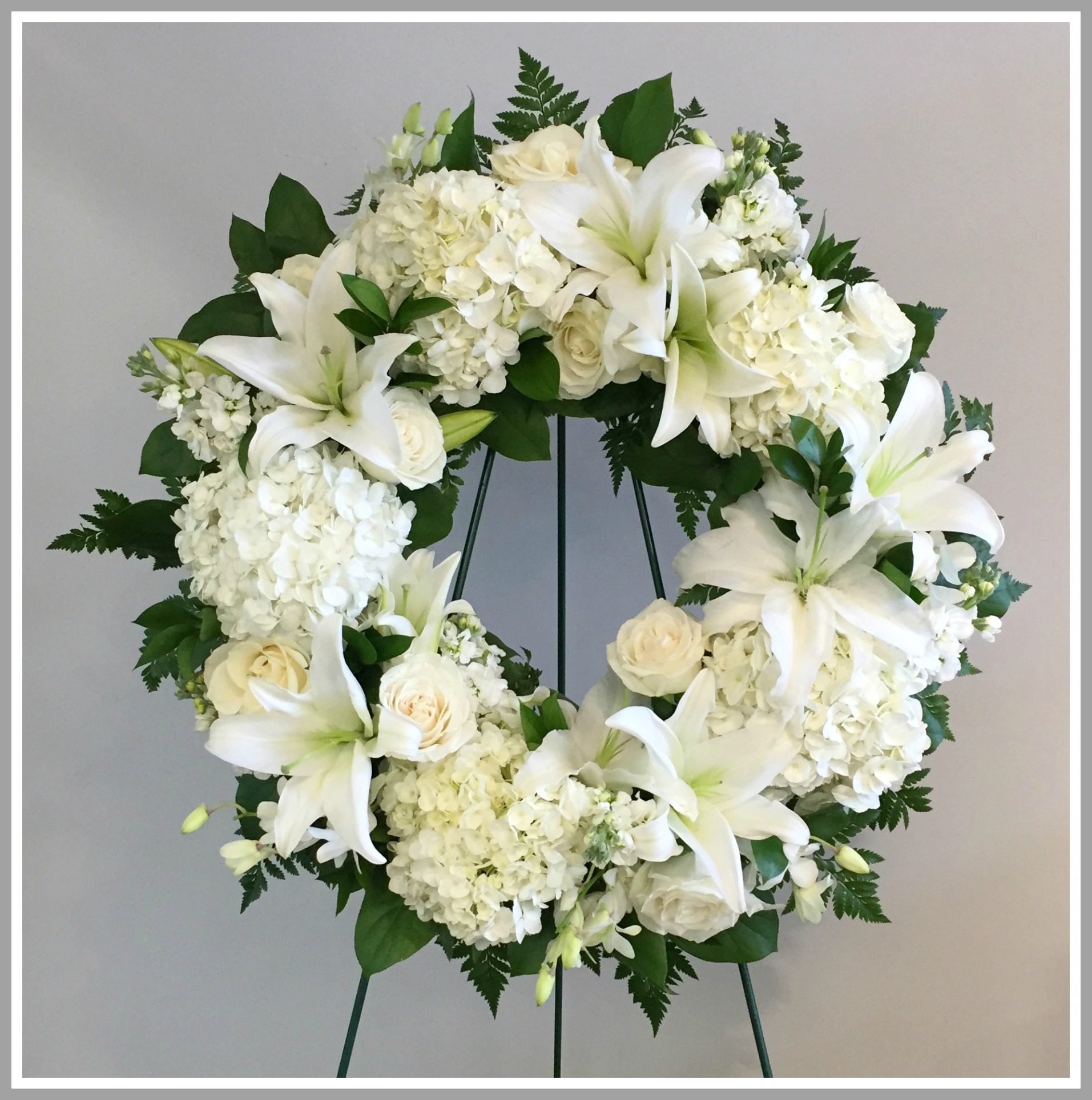 Sympathy and funeral flowers by lindas florist of short hills sympathy funeral dhlflorist Images